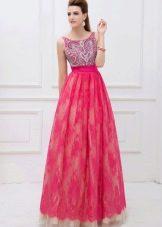 Малиновое кружевное вечернее платье