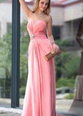 Розовое недорогое вечернее платье