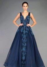 Вечернее синее платье со стразами