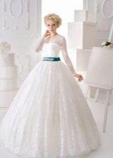 Закрытое свадебное платье с корсетом пышное