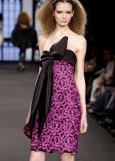 Короткое фиолетовое платье из ирландского кружева