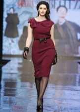 Вечернее платье бордового цвета для полных