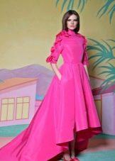 Малиновое вечернее платье короткое спереди длинное сзади