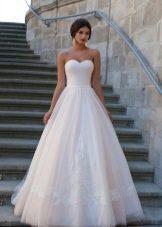 Свадебное платье из коллекции Crystal Design 2015 с юбкой из роз