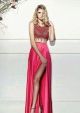 Красное летнее платье с разрезом