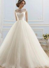 Свадебное платье с закрытым горлом  пышное из коллекции ROMANCE от Naviblue Bridal