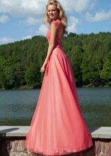 Вечернее платье от Оксаны мухи с открытой спиной