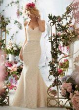 Кружевное свадебное платье на бретелях цвета айвори