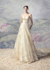 Свадебное платье от Papilio с золотым узором