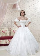 Свадебное платье с рукавами буфами из коллекции Love & Lacky