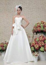 Свадебное платье а-силуэта из коллекции Love & Lacky