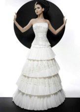 Свадебное платье с многоярусной юбкой из коллекции Кураж