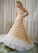 Свадебное платье из коллекции Femme Fatale золотое