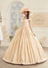 Свадебное платье пышное с кружевом