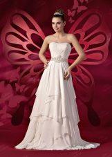 Свадебное платье с асимметричной юбкой от  To Be Bride 2012