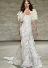 Белое вечернее платье с перьями 2016