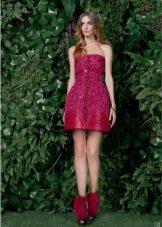 Красное платье на выпускной с юбкой колокол