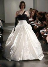 Свадебное платье с черным лифом от Веры Вонг