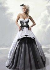 бело-черное свадебное платье с кружевом и тюлью