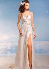 Свадебное платье из коллекции Райский остров с разрезом