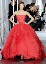 Свадебное платье красное от Кристиана Диора