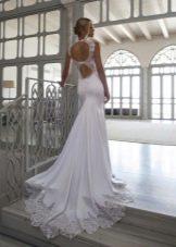 Свадебное платье с двойным вырезом на спине
