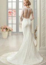 Свадебное платье с иллюзией обнаженной спины