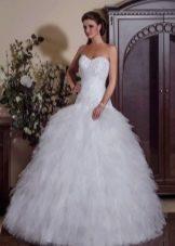 Свадебное платье пышное с заниженной талией