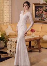 Закрытое кружевное свадебное платье от Виктории Карандашевой
