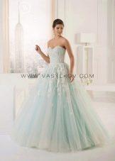 Нежно-зеленое свадебное платье от Василькова