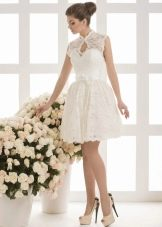 Короткое свадебное платье от Василькова пышное кружевное