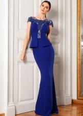 Синее с баской  вечернее платье футляр  в пол