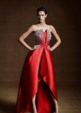Вечернее платье рубинового цвета