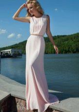 Нежно-розовое вечернее платье для ресторана