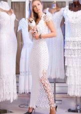 Прямое вязанное свадебное платье крючком