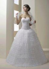 Свадебное платье расшиое жемчугом