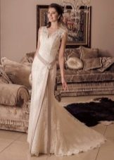 Свадебное платье с асимметричным поясом