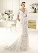 Свадебное платье из коллекции MANUEL MOTA от Проновиас с глубоким вырезом