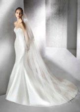 Свадебное атласное платье от Сан Патрик