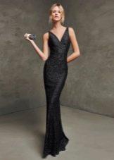 Кружевное облегающее вечернее платье