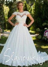 Свадебное платье с плотным кружевом
