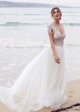 Свадебное платье из коллекции Spirit от Анны Кэмпбелл с декорированным корсетом