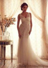 Свадебное платье из коллекции Gossamer  от Анны Кэмпбелл с прозрачными бретелями