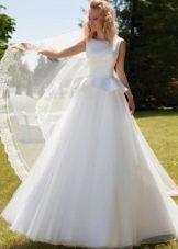 Свадебное платье с баской от Оксаны Мухи