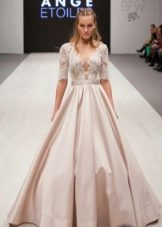 Свадебное платье от Ange Etoiles с жестким кроем
