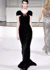 Бархатное платье с рукавами крылышками