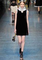Короткое платье из бархата