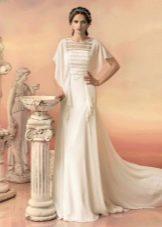 Свадебное белое платье с широкими рукавами