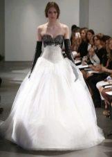 Белое свадебное платье с черным лифом