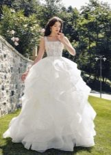Пышное свадебное платье в пол